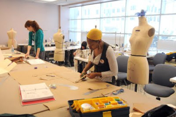 be866215b930 In the last few years there have been more and more fashion schools which  have been popping up all over the U.S. These schools have been helping  students in ...